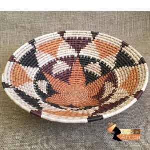 Botswana basket: Shield (B 348)